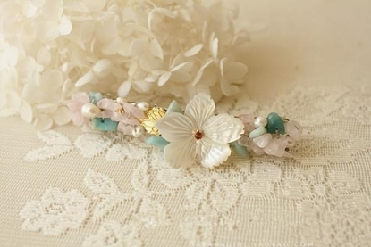 Picture of Handmade Shell Carving Pearl String Hairpin - Royal Vintage